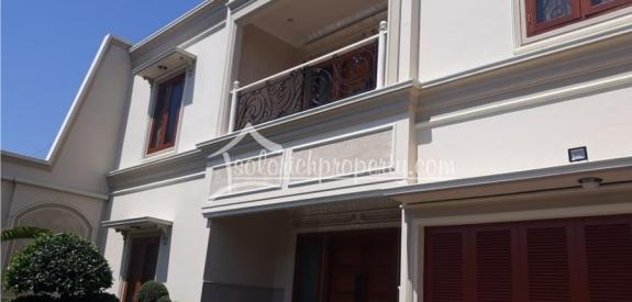 Rumah Mewah Siap Huni Tengah Kota Solo Dekat SMAN 7
